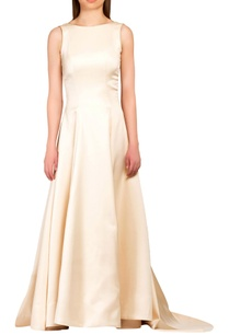sorbet-peach-gown-with-trailing-train