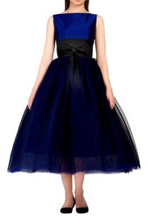 blue-bouffant-style-dress