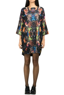 multicolored-digital-print-t-shirt-dress