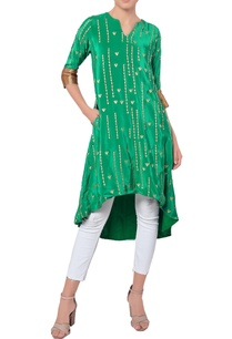 green-kurta-with-golden-embroidery