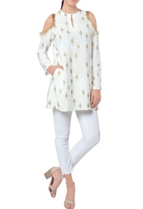 white-cold-shoulder-tunic-with-golden-print