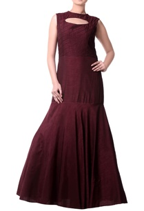 burgundy-mermaid-pleated-gown
