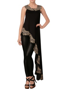 black-leaf-print-sleeveless-asymmetric-tunic