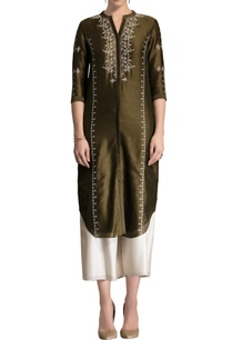 olive-green-embroidered-kurta-set-crafted-in-chanderi-silk-fabric