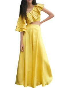 yellow-skirt-and-top-with-block-print