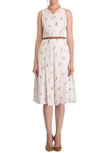 white-floral-print-midi-dress