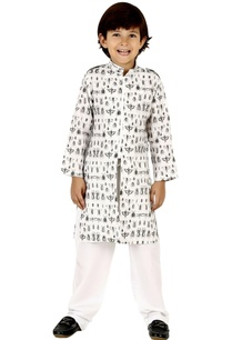 insects-print-kurta-set