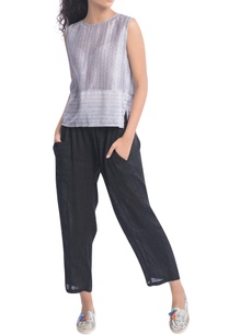 black-narrow-loose-fit-trousers