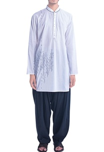 white-kurta-with-thread-embroidery