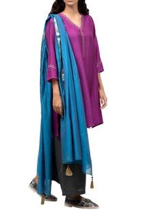 purple-kurta-with-grey-pants-dupatta