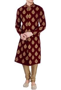 maroon-velvet-printed-sherwani