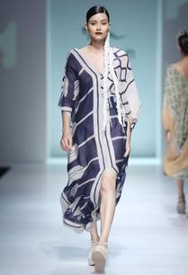 white-blue-batik-kaftan