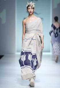 white-blue-batik-sari-dress