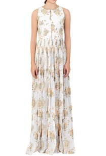 white-floral-pleated-dress