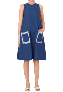 navy-blue-dress-with-printed-pockets