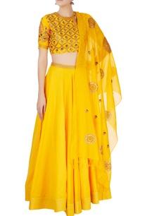 yellow-zari-embroidered-lehenga