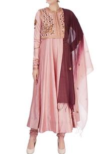 pink-aari-embroidered-kurta-set