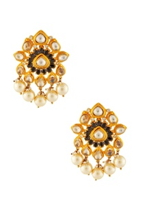gold-white-kundan-earrings