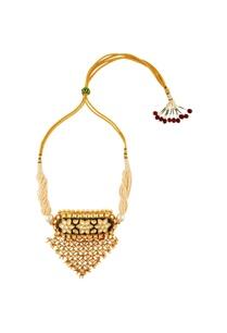 gold-white-triangular-shaped-moti-necklace