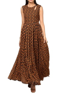 black-floral-printed-maxi-dress