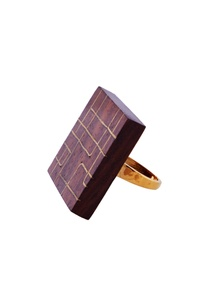 gold-oversized-cube-ring