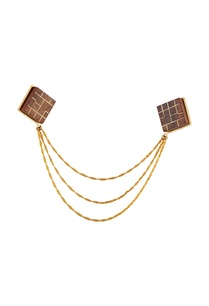 gold-collar-pin-with-wood-cubes