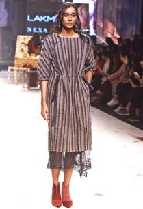 black-grey-stripe-print-dress