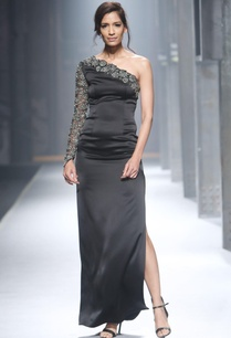 black-one-shoulder-style-gown