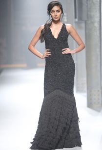 black-fitted-v-neck-gown