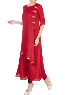 maroon-embroidered-parrot-motif-kurta