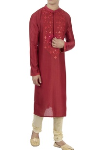 maroon-thread-embroidered-kurta
