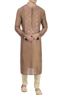 brown-kurta-in-patra-work