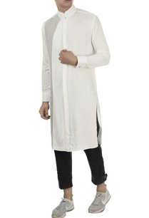 white-kurta-with-mandarin-collar