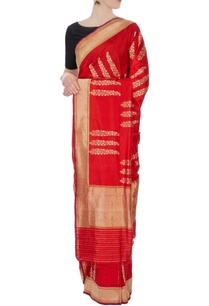 red-silk-sari-with-unstitched-blouse-fabric