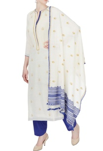 white-blue-floral-kurta-set