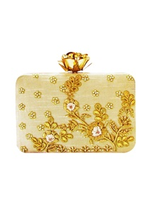 beige-rose-embroidered-clutch