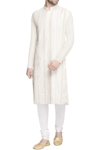 white-embroidered-long-kurta