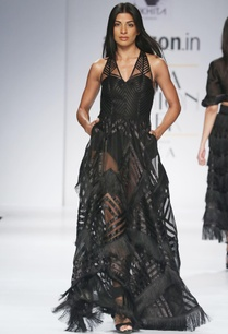 black-halter-style-gown