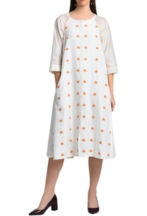 white-dress-with-embroidery