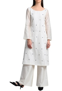 white-kurta-in-handwork-embroidery