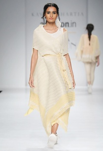 white-yellow-embroidered-cape