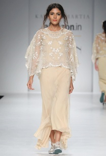 gold-chiffon-dress-white-cape