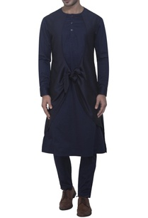 blue-kurta-in-knotted-check-style