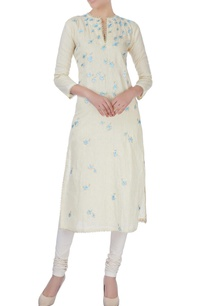 light-yellow-kurta-in-leaf-motifs