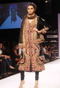 black-floral-embroidered-kurta-set