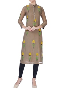 brown-embroidered-patch-kurta