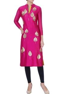 pink-embroidered-zari-kurta