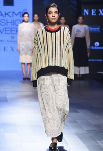 black-embroidered-jumper-maxi-skirt