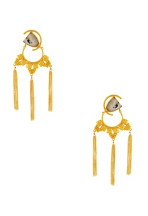 gold-tassel-long-earrings
