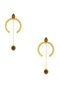 gold-half-moon-shaped-earrings